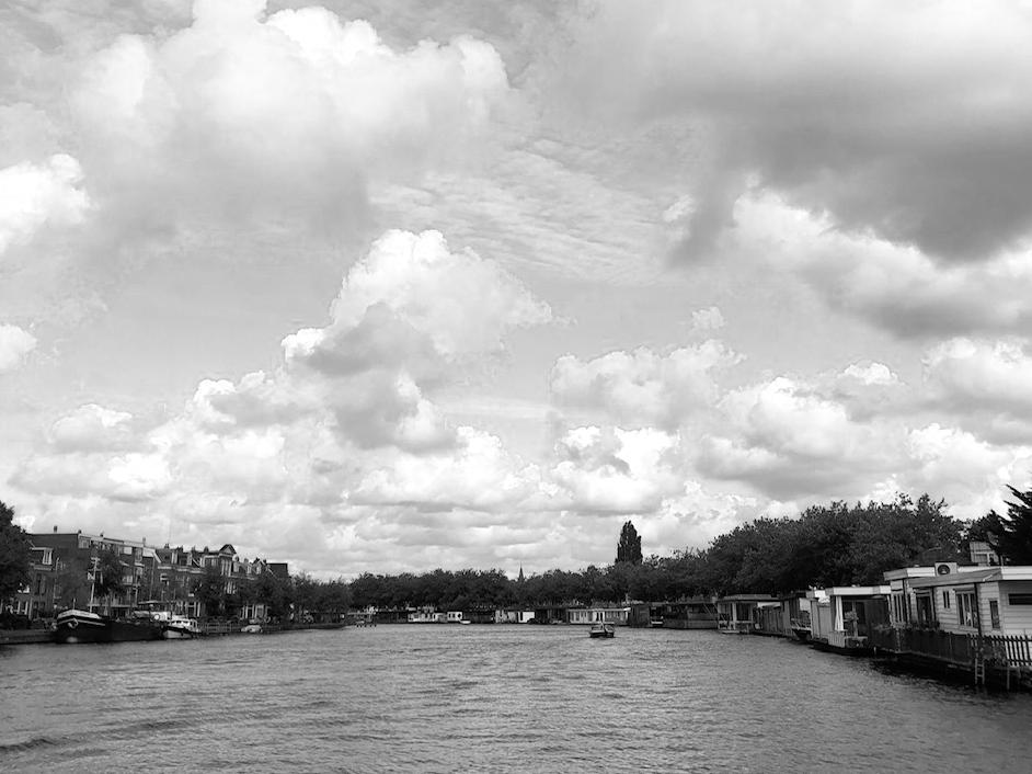 Wandelcoaching Amstel stad zwart wit